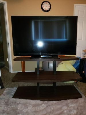 50 inch tv and 3 tier stand for Sale in Fresno, CA