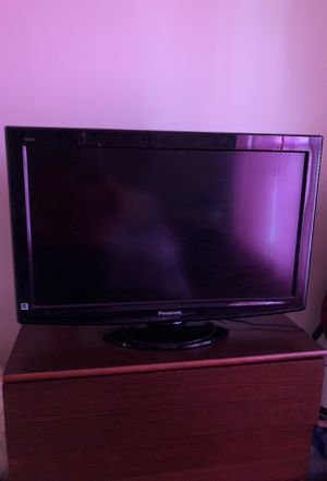 32 inch TV for Sale in Atlanta, GA