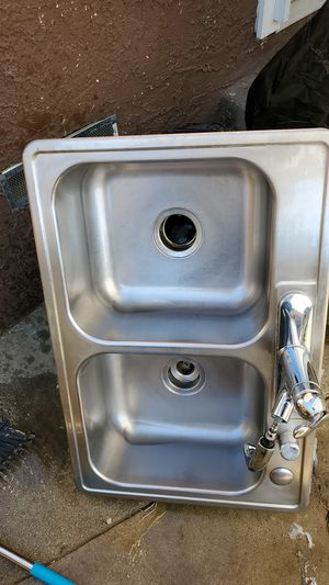 Kitchens sink for Sale in Hawthorne, CA