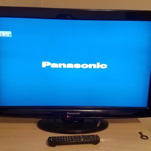 32 Inch Panasonic T.V. for Sale in Tacoma, WA