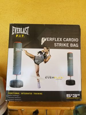 Everlast cardio strike punching bag for Sale in Whittier, CA