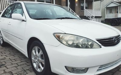 Super Car Toyota Camry 2006 Xle V6 White for Sale in Aurora,  CO