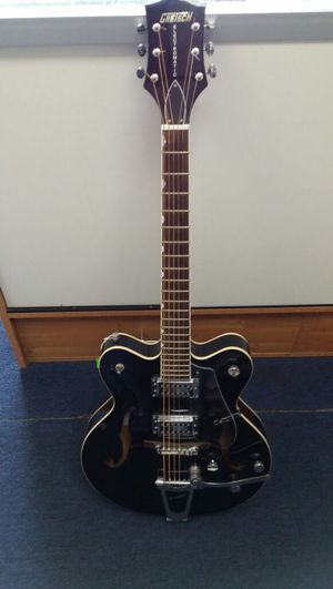 Gretsch G5122 guitar for Sale in West Covina, CA