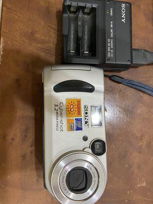 Sony Cybershot 3.2 Mega Pixels Camera for Sale in Clinton, MD