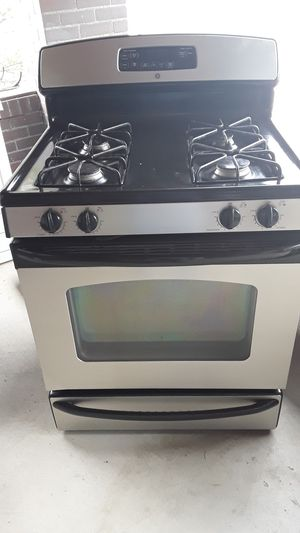 GE gas stove for Sale in Pueblo, CO