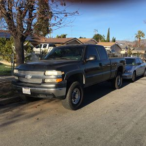 2002 Chevy Silverado 2500 condition: good cylinders: 8 cylinders fuel: gas odometer: 134000 paint color: black size: full-size title status: c for Sale in San Jose, CA