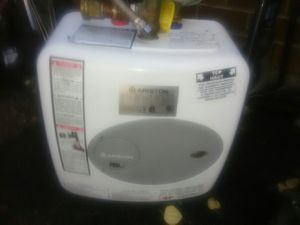 Ariston GL 2.5 To mini-tank water heater for Sale in Auburn, WA