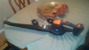 Like new VanHauss rechargeable leaf blower. Only used 2or 3 times last fall. for Sale in Lexington, KY