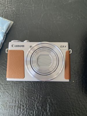 Canon g9x digital camera, barely used, with case for Sale in Tomball, TX