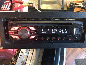 Pioneer DEH-2400UB CD Player/MP3 In Dash Receiver for Sale in Cerritos, CA