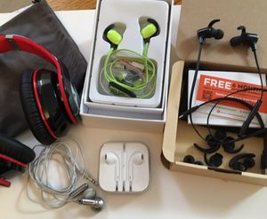 HEADSET & Various EARBUDS for Sale in Monroeville, PA