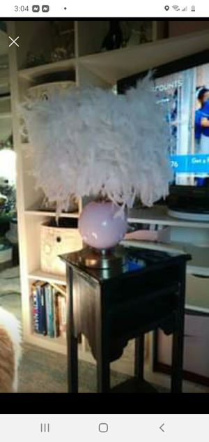 Pink feathered lamp for Sale in Fort Worth, TX