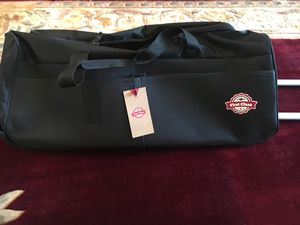 Duffle bag for Sale in Pittsburgh, PA