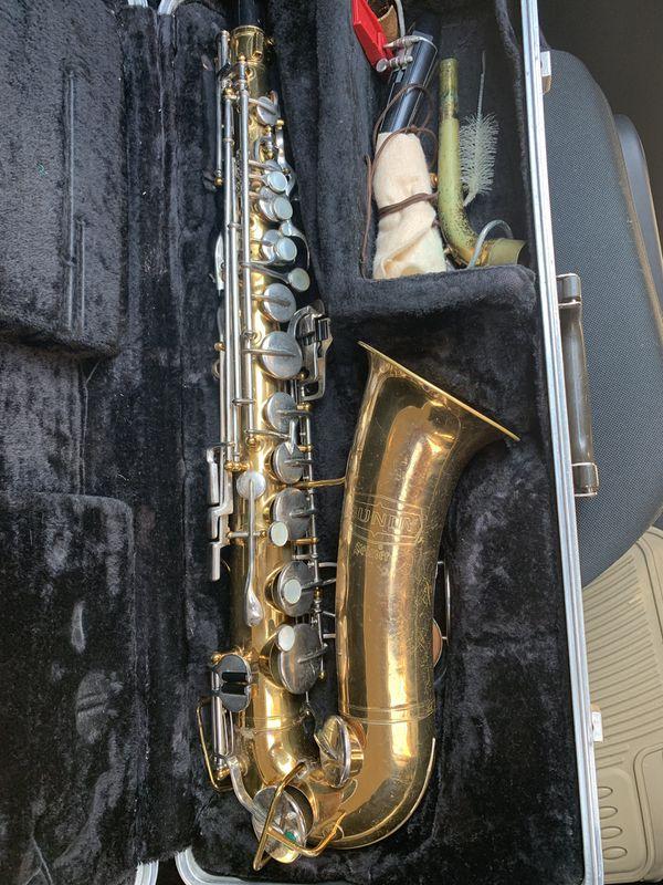 Bundy Alto Student Saxophone