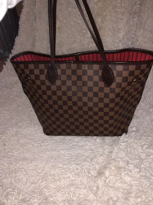Louis Vuitton Neverfull MM & Bag Insert Organizer. Comes with dust bag and box. for Sale in Mundelein, IL