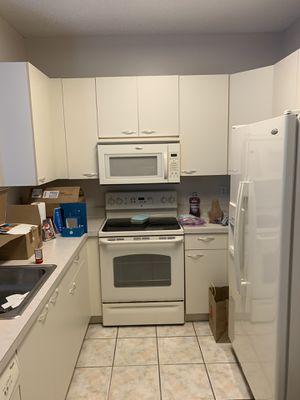 FREE Kitchen cabinets/GRATIS Gabinetes de cocina for Sale in Pembroke Pines, FL