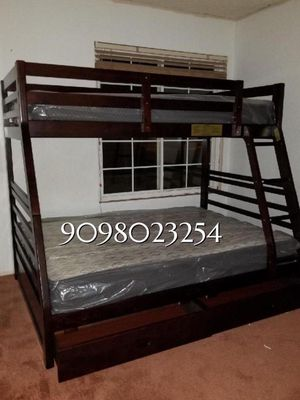 TWIN/FULL BUNK BEDS W MATTRESSES INCLUDED. for Sale in Perris, CA