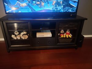 60 inch TV stand for Sale in Avondale, AZ