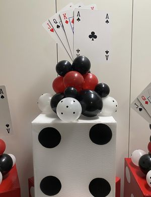3.5 FT. 43 IN. ROLL DICE BALLOON COLUMN DECORATION for Sale in Los Angeles, CA