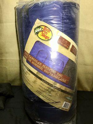 Bass Pro Shop -oversize Rectangular Sleeping Bag for Sale in Fort Lauderdale, FL