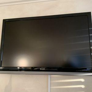 Sharp TV 32 Inch for Sale in Encinitas, CA