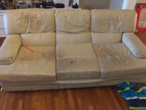 FREE Leather Couch for Sale in St. Louis, MO