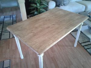 LIKE NEW Farmhouse Table for Sale in Thornton, CO