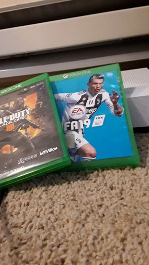 Xbox one s barely used comes with fifa 19 and black ops 4 and 2 controllers for Sale in Issaquah, WA