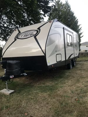 2016 RV 21 ft Forest River Vibe/ slide out for Sale in Graham, WA