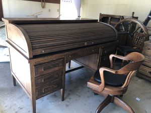 Beautiful Antique Standard Furniture Co Roll Top Desk. Large for Sale in Claremont, CA