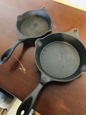 2 Cast iron pans -Sarten the hierro fundido for Sale in CANAL WNCHSTR, OH