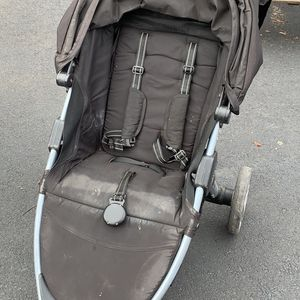 Britax B-agile collapsible Stroller for Sale in Pittsburgh, PA