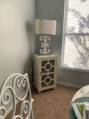 Side table chest and lamp for Sale in Wesley Chapel, FL