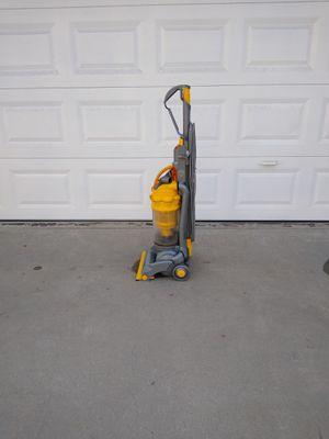 Vacuum/ Aspiradora/ Dyson for Sale in E RNCHO DMNGZ, CA