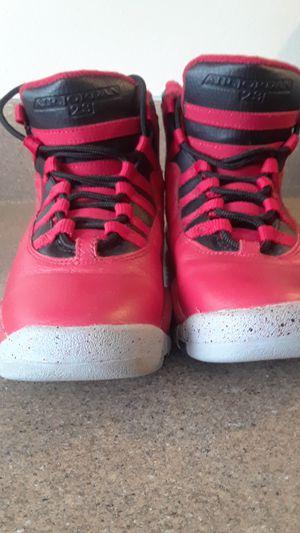 Retro Jordan 10's red & black graphite bottoms men size 4 for Sale in Greensboro, NC