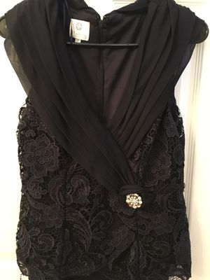 Navy blue size 12 women's formal gown prom floor length dress mother of bride for Sale in Saint Hedwig, TX