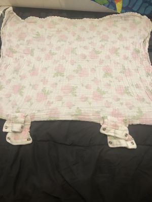 Car seat blanket cover up for Sale in Lutz, FL