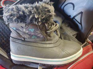Kids snow boots. Size 3 for Sale in Phoenix, AZ
