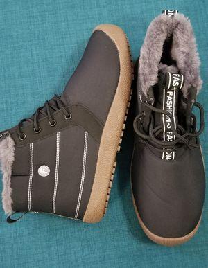 RAIN/SNOW BOOTS size 9.5 for Sale in Rancho Cucamonga, CA