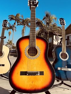 Acoustic guitars metal strings for Sale in Maywood,  CA