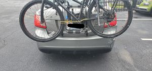 Yakima MegaJoe 3-3 bike carrier for sedan for Sale in Worcester, MA