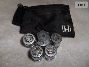 Honda/Acura OEM Wheel Lock Set Fits Newer Civic/Accord 19mm for Sale in Queens, NY
