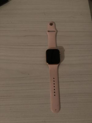 Apple Watch Series 4 for Sale in Fresno, CA