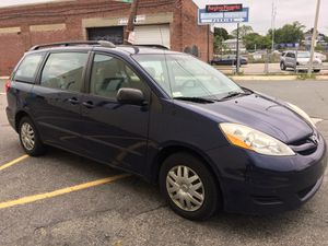 2007 TOYOTA SIENNA for Sale in Weston, MA