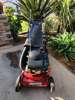 Snapper commercial self-propelled lawn mower in good working condition Honda engine for Sale in Riverside, CA