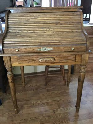 Secretary desk for Sale in MERRIONETT PK, IL