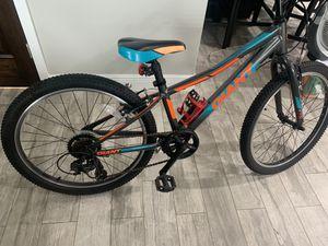 """Giant XtC 24"""" boys bike for Sale in Miami, FL"""