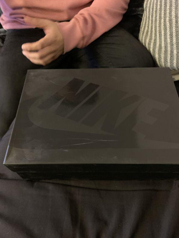 Nike air Foamposite Pro (Dr. Doom) size 9.5