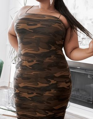 Camo me dress plus size for Sale in March Air Reserve Base, CA