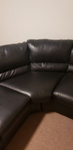 Black Leather Couch Excellent Condition for Sale in St. Louis,  MO